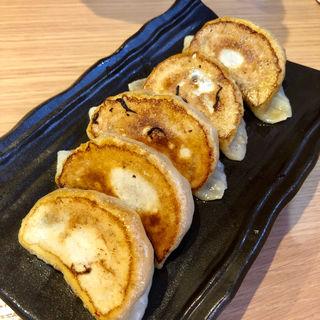 手作り餃子(5個)(中華ダイニング グルペット)