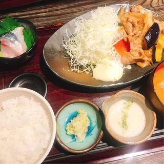 もち豚の生姜焼定食(産直青魚専門 渋谷 御厨 (みくりや))