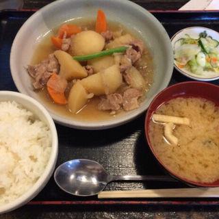 【限定得々】肉じゃが定食(ごはん処 まんぷく食堂 )