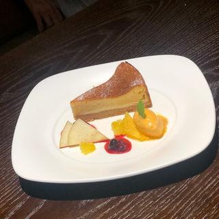 ベイクドチーズケーキ(Dining Bar A-towa(ダイニングバー エトワ))