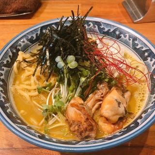 牡蠣・拉麺+牡蠣2個トッピング+サービス券煮玉子(佐市 )