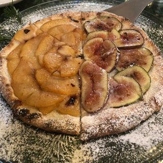 桃とイチジクのデザートピザ(エンボカ 京都 (enboca))