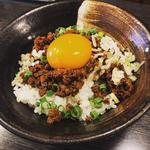 肉味噌卵黄ご飯