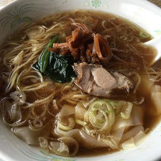 ワンタン麺(喜楽 )