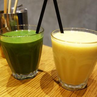 黄パプリカとパイナップルのイエロースムージー(ROJIURA BAKERY CAFE(ロヂウラベーカリーカフェ))