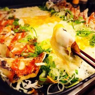 チーズ餃子ダッカルビ(神田餃子居酒屋WARASHIBE GYOZA)