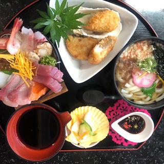 よくばりミニ海鮮丼
