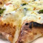 4種のチーズのpizza(ドットーレ (Dottore))