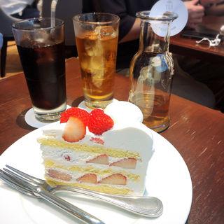 夏いちごのフレッシュケーキ(ハーブス 上野パルコヤ店)