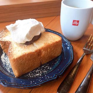 北海道産煮あずきと北海道産生クリーム 米粉トースト(リズラボキッチン銀座 (RizLaboKitchen))