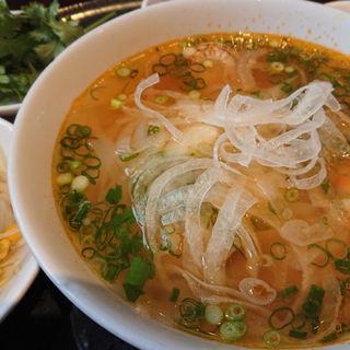 蒸し鶏とパクチーのフォー(ベトナム ガーデン )