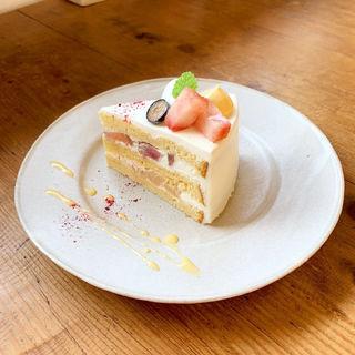桃のショートケーキ(つむる)
