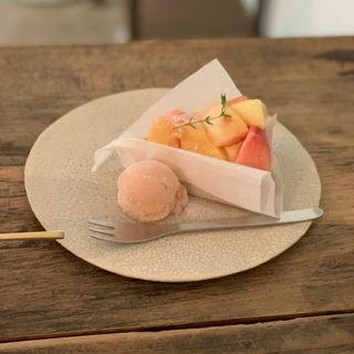 桃のカスタードタルト(カフェ クラリ (cafe KURARI))