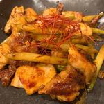 鶏肉とアスパラの味噌風味炒め