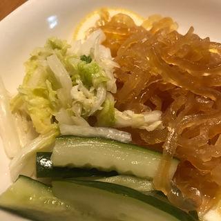 くらげと野菜の前菜盛合せ(美龍 (メイロン))