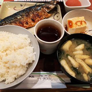 鯖の塩焼き定食(玉乃光酒蔵 山田錦店 (たまのひかりしゅぞう やまだにしきてん))