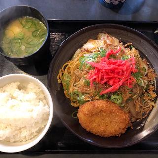キムチ焼きそば定食(亀吉 (カメキチ))