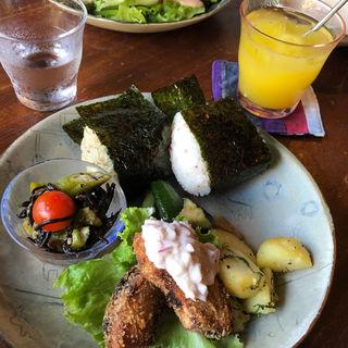 おむすび定食(手ぬぐいカフェ 一花屋)