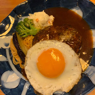 目玉焼きハンバーグ(山本のハンバーグ 六本松店)
