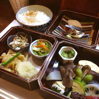 3段弁当(山茶花 )