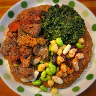 カンガルー、草、豆(火星カレー )