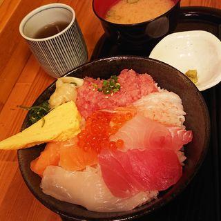 大将おすすめ海鮮丼(どんぶり屋まぐろ大将)