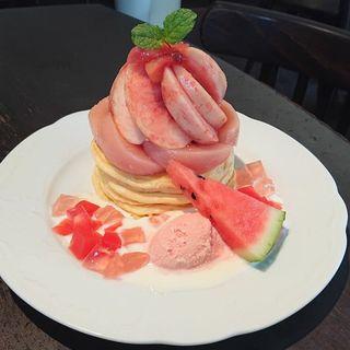 桃とスイカのパンケーキ(カフェアンジェ (Cafe Ange))