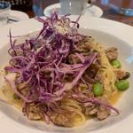 紫キャベツとサルシッチャのパスタ