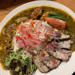 たっぷり夏野菜と紀州うめどりの燻製カレー(さぼてん食堂 )
