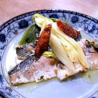 イワシの香味オイル和え(四川家庭料理 中洞)