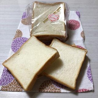 プルマン食パン(パン屋 ひこうせん )
