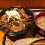 豚丼(壌 大手町)