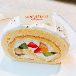 フルーツロールケーキ(アニヴェルセルカフェ)