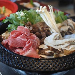 松茸と黒毛和牛のすき焼き食べ放題プラン(大阪屋形船 (おおさかやかたぶね))