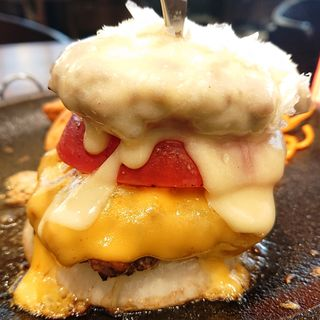 チーズ チーズ チーズハンバーグ(ビヤレストラン銀座ライオン 川崎駅前店)