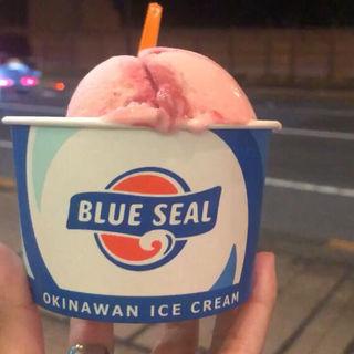(ブルーシールアイスクリーム 福生店 (BLUE SEAL ICE CREAM))