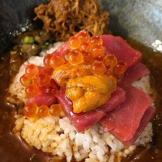 冷製ニボ醤油な贅沢海鮮スープカレー