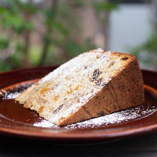 杏と紅茶とナッツのバターケーキ(パーランド (parland))