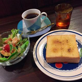 ミミタムブレンドとシュガバタトースト、サラダ付き(喫茶室ミミタム)