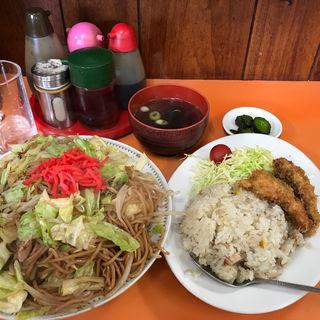 焼きそばセット(半チャーハン+チキンカツ)(光栄軒)