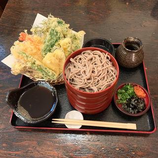 割子(4枚)天ぷらそば(いいづか・出雲そば )