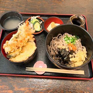 八重垣定食(いいづか・出雲そば )