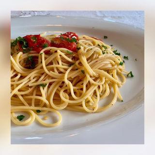 アマルフィ風海老とプチトマトのスパゲッティ