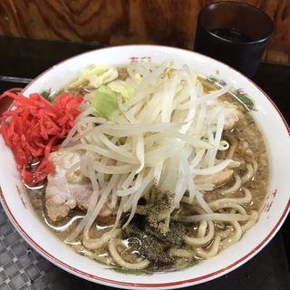 小豚ラーメン+紅ショウガ+魚粉(やらかし亭 (YaRaKaSITEI))