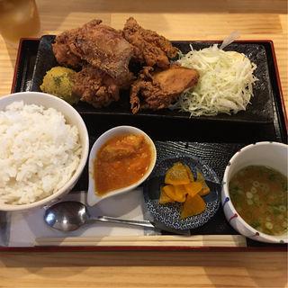 中津の唐揚げ定食(限定10食)(鶏居酒屋 ちらんや)