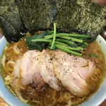 泉系ラーメン麺増量+チャーシュー+のり