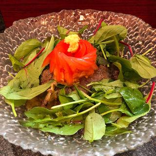 肉ひやし(烈志笑魚油 麺香房 三く)