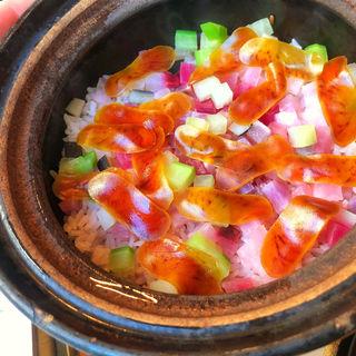 かぶとカラスミの土鍋(青山杏亭 )