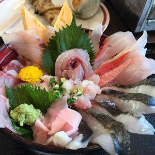 地魚海鮮丼(活き活き亭 )