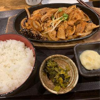 豚肉生姜焼き 肉大盛り(しんぱち食堂 大門店)